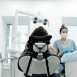 Próchnica zębów: przyczyny i zapobieganie próchnicy